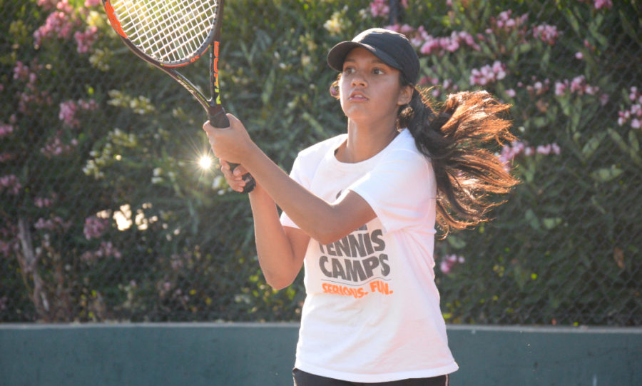 Girls%E2%80%99+tennis%3A+Burlingame+looks+to+take+down+top+competition