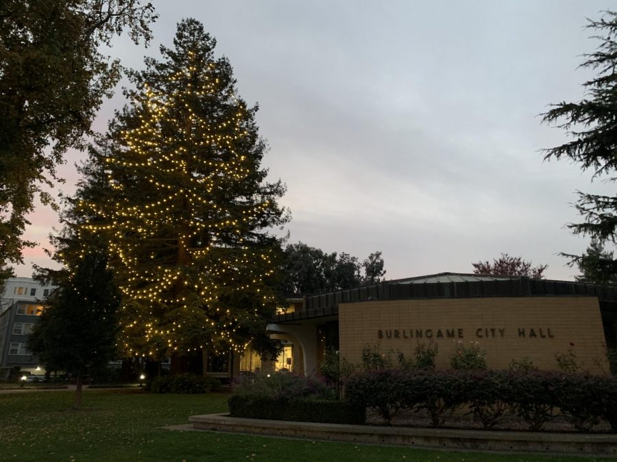 Burlingame's annual tree lighting goes virtual