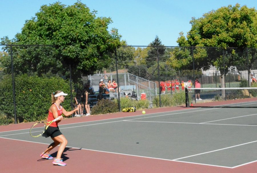 Sophomore+Mila+Mulready%2C+Burlingame%E2%80%99s+No.+1+singles+player%2C+returns+the+ball+on+her+way+to+a+6-0%2C+6-1+victory+in+the+first+match+of+the+season.+